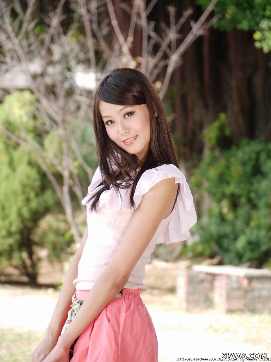 Winnie小雪 丝袜美腿 东海外拍[66P102M]